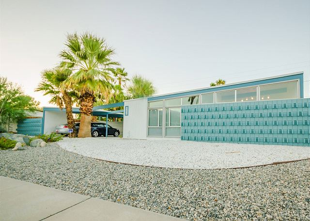 The Blue Butterfly - Palm Springs Vacation Home Rental