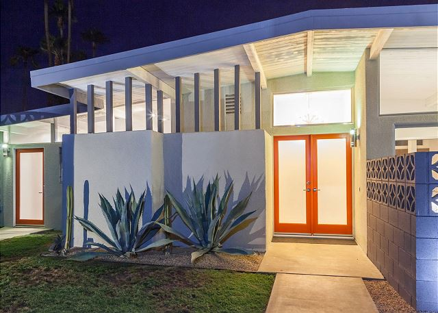 Mid Mod vacation home rental in Palm Springs
