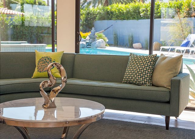 Palm Springs Modernism Week: 7 Mid Mod Homes To Rent