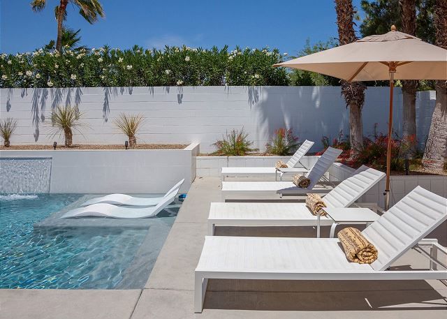 April In Palm Springs: 10 Great Vacation Home Rentals