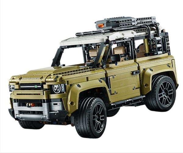 Land Rover Defender leaks in Lego form