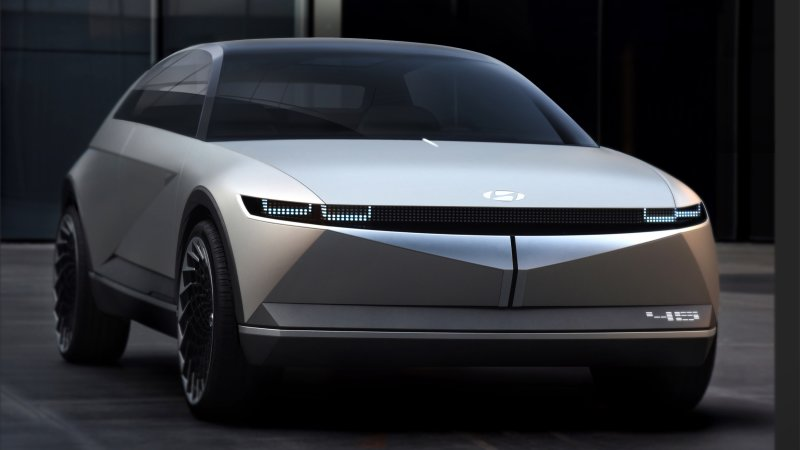 Hyundai occupies both past and future with 45 concept EV at Frankfurt