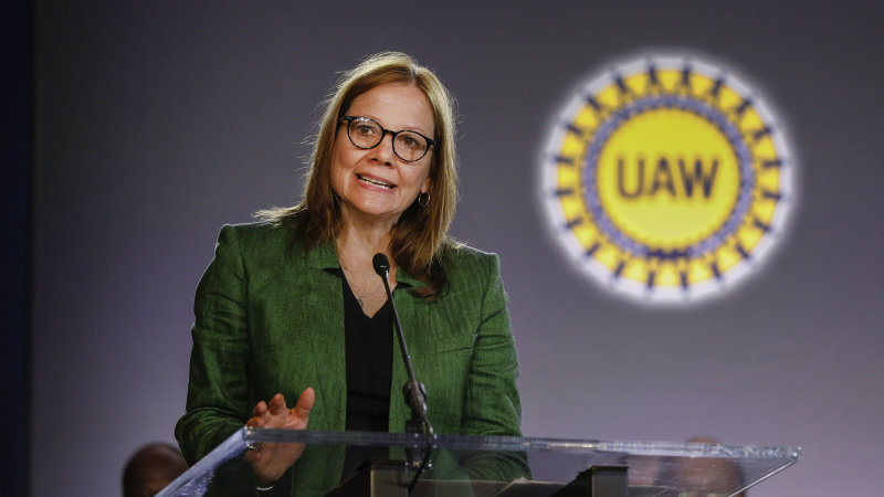 GM CEO Mary Barra meets with striking UAW leadership