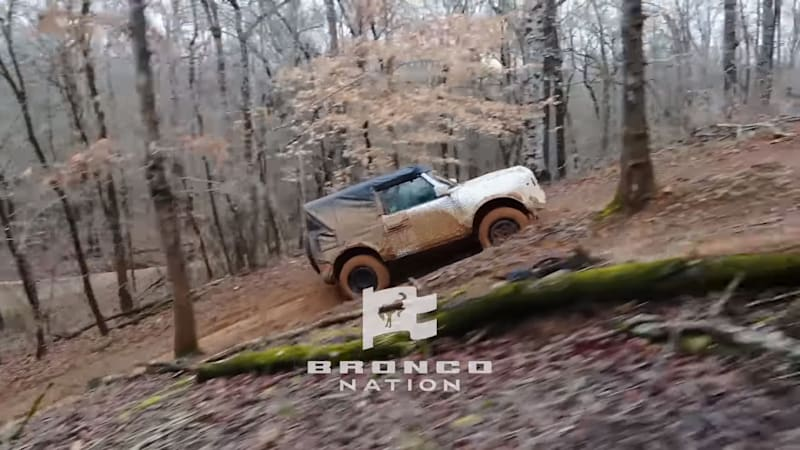 Video of 2021 Ford Bronco prototypes plying muddy trails shows trick tech