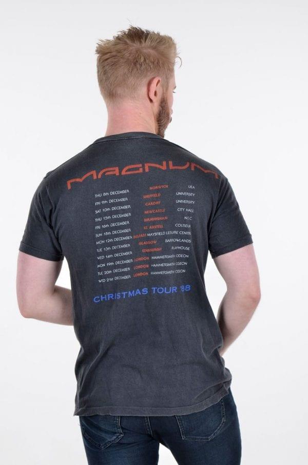 Vintage Magnum Christmas Tour '88 t shirt