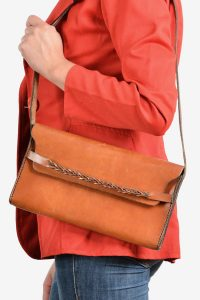 Vintage 1970's leather shoulder bag