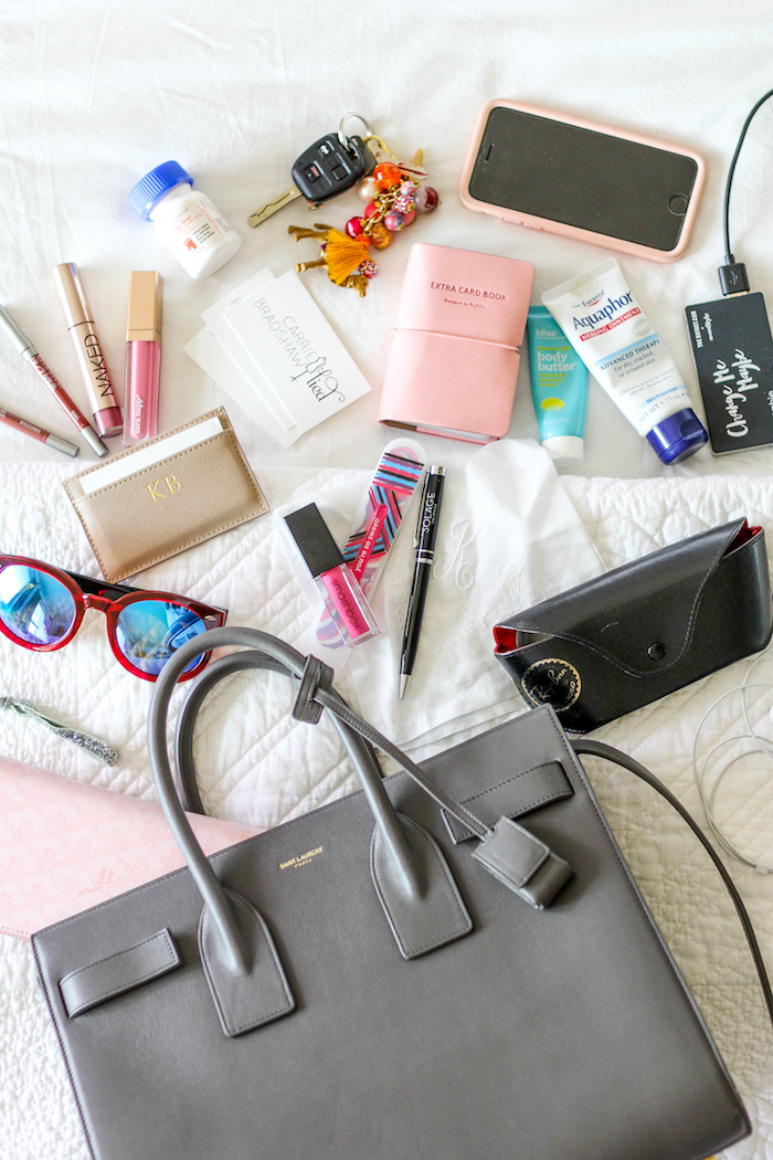 "ec4c537fccdf24 27 thoughts on ""What's In My Bag"""