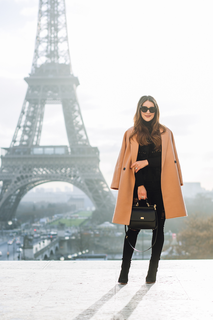 fashion blogger eiffel tower