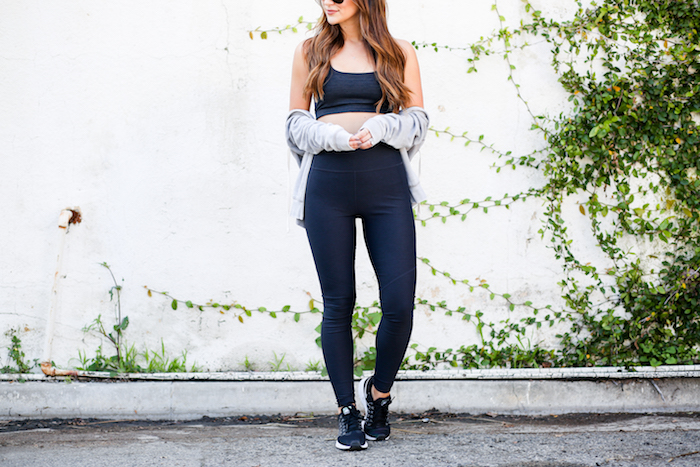 black highwaisted leggings