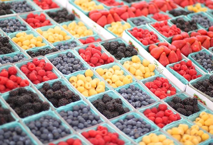 farmers market blueberries