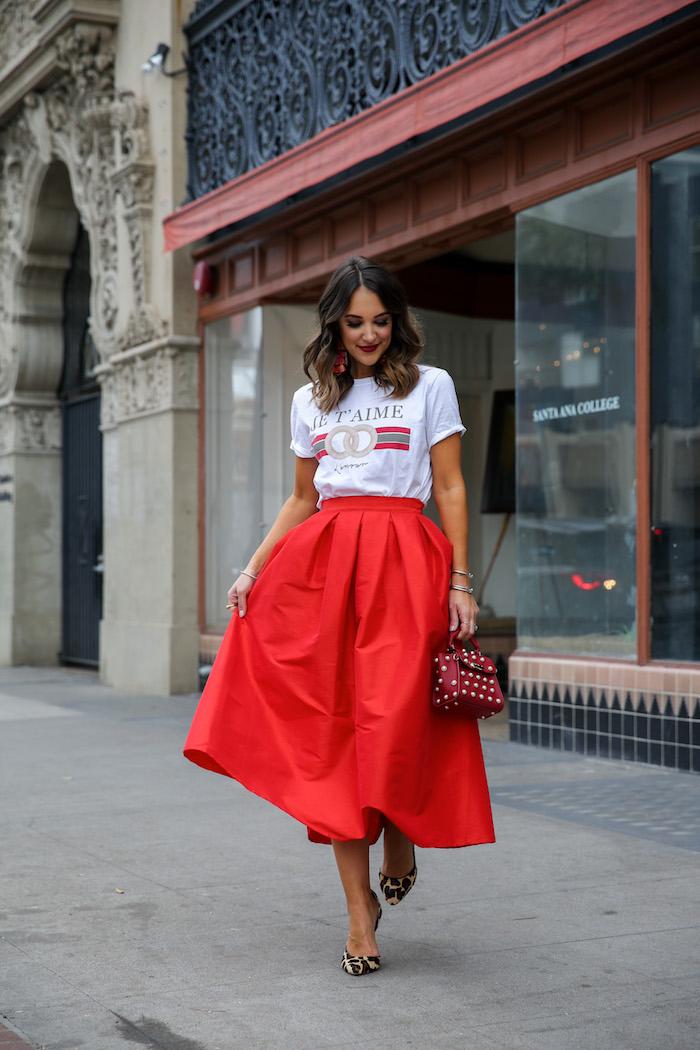 "4056894a72 12 thoughts on ""Tee & Ball Skirt"""