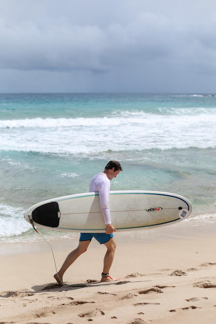 beginner surfing in maui