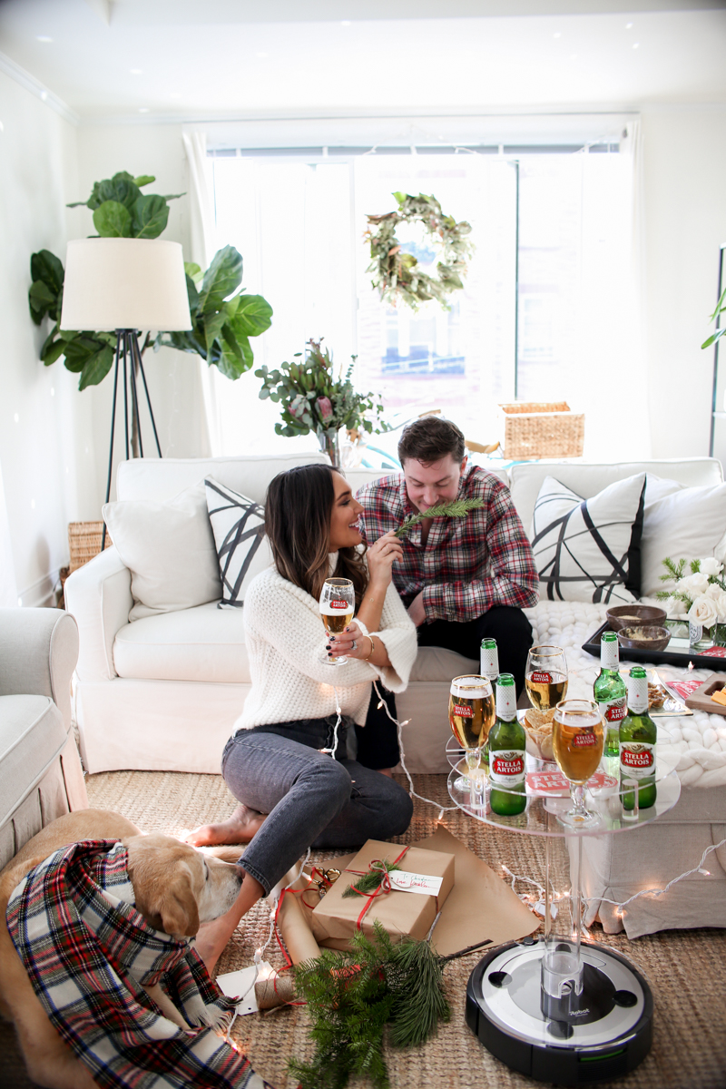 using greenery to wrap gifts