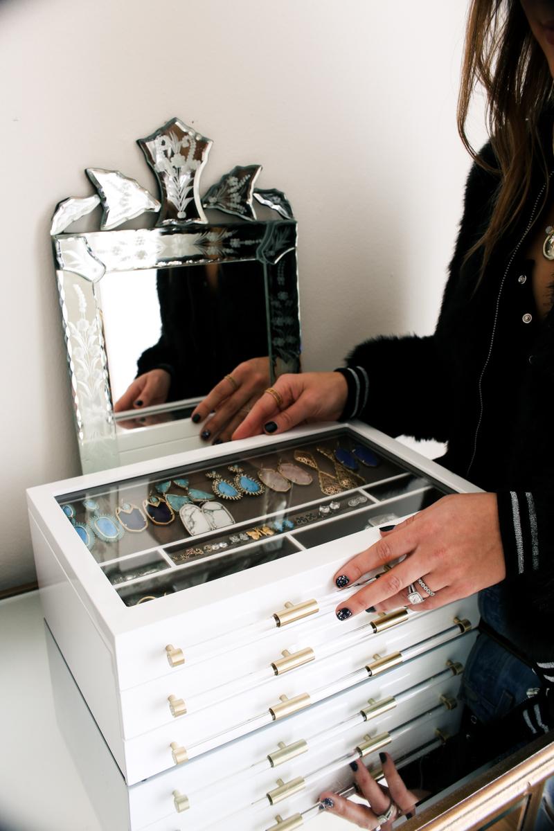 large kendra scott jewelry box