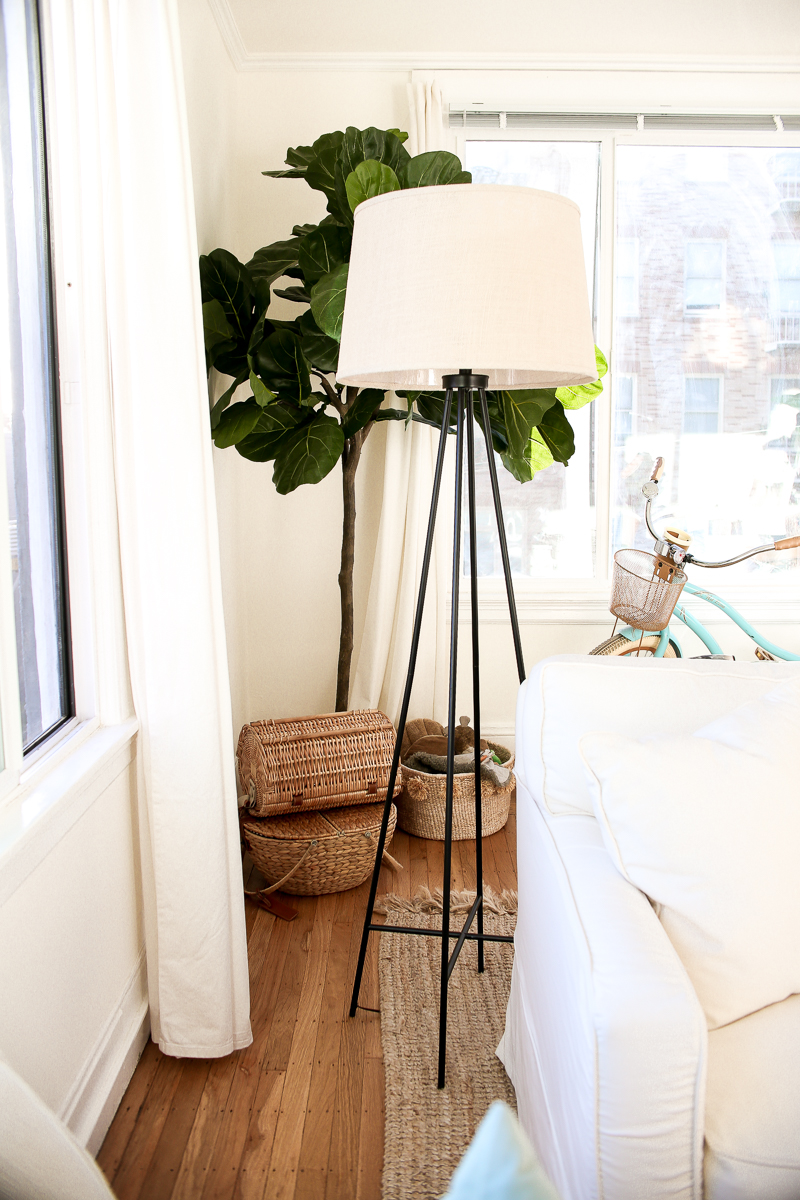 black modern floor lamp