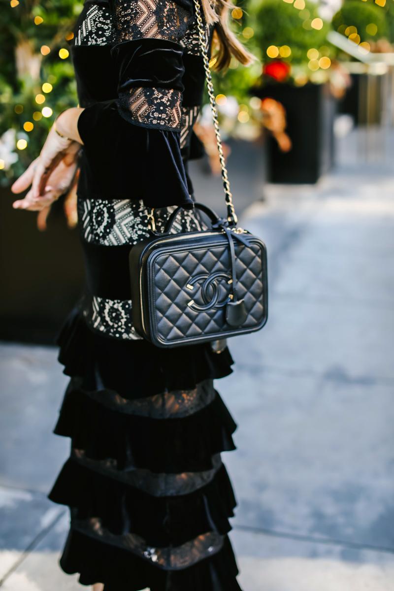 black chanel vanity bag
