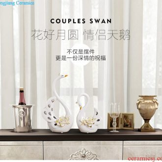 Creative home furnishing soft wine cabinet decoration wedding gift living room decoration cabinet pieces ceramic decoration painted gold swan Hand-cut wedding gifts