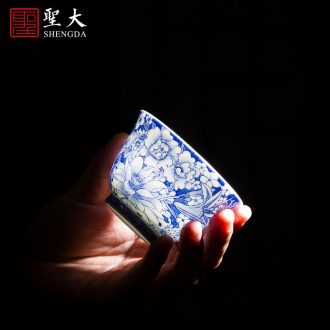 Holy big cup sample tea cup hand-painted ceramic kungfu antique blue-and-white ruyi put lotus flower cup of jingdezhen tea service master
