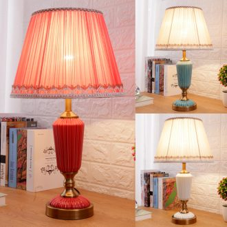 Contracted and contemporary red wedding celebration of ceramic lamp sitting room the bedroom the head of a bed warmth creative Europe type lamps and lanterns that move light