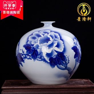 Jingdezhen ceramics famous Wu Wenhan hand-painted pomegranate blooming flowers are blue and white porcelain vase collection certificate