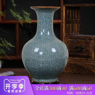 Archaize of jingdezhen ceramics kiln blue and white porcelain vases, flower arrangement of Chinese style classical home sitting room adornment is placed