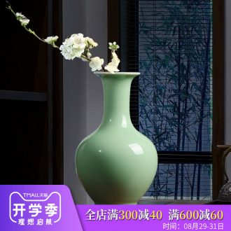 Jingdezhen ceramics antique vase pea green glaze furnishing articles flower arrangement sitting room of Chinese style household decoration decoration process