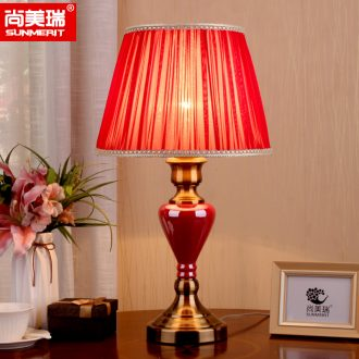 American simple desk lamp light red wedding anniversary of bedroom the head of a bed warm sitting room hotel room decoration ceramic restoring ancient ways