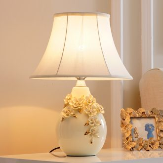 Desk lamp of bedroom the head of a bed lamp sweet girl European rural contracted sitting room home marry American room ceramic lamp