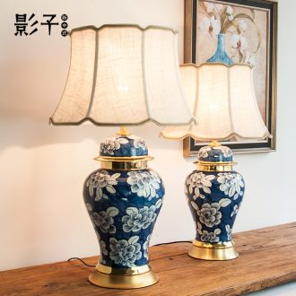 New Chinese style ceramic desk lamp bedside lamp sitting room bedroom general blue and white porcelain jar of zen restoring ancient ways American copper decoration lamp
