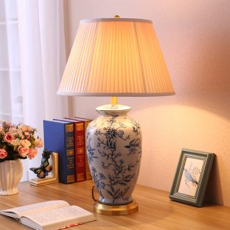 Desk lamp sitting room of new Chinese style restoring ancient ways European rural jingdezhen hand-painted pastel warm warm light remote control ceramic desk lamp