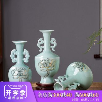 Jingdezhen ceramics famous paint shadow green lotus flower bottles of new Chinese style living room decorations rich ancient frame furnishing articles