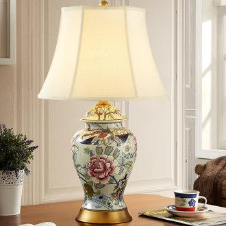 New classic American ceramic desk lamp marriage red bed lamp sitting room bedroom Europe type restoring ancient ways all copper ceramic lamp