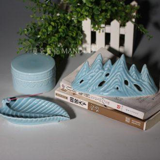 Jingdezhen azure porcelain chessboard inkpad box compact writing brush washer sweet elegant high-grade Wen Fang appliance