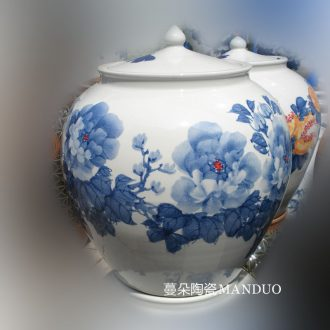 Jingdezhen hand-painted ceramic porcelain flowers cover meters installed oil tank hold 40 jins porcelain cover beautiful pot