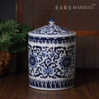 High-grade hand-painted blue-and-white porcelain porcelain cover tank storage tank storage cover large M a caddy