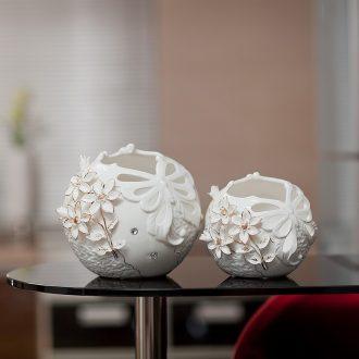 Creative ceramic vases, modern household adornment handicraft furnishing articles European style decoration living room table