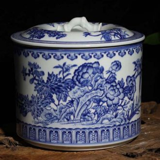 Jingdezhen blue and white hand straight 10 jins ceramic cover pot blue butterfly storage tank is Chinese style furnishing articles