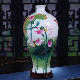 Jingdezhen ceramics hand-painted lotus rhyme famille rose porcelain vase sitting room place, famous master of decorative arts