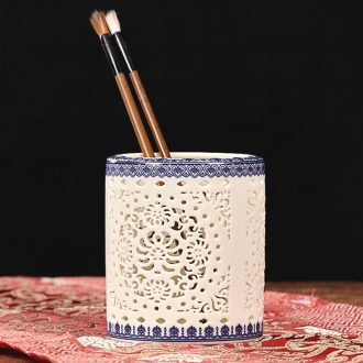 Brush pot ceramic creative fashion gift office supplies receive a case teacher hollow vase study adornment furnishing articles