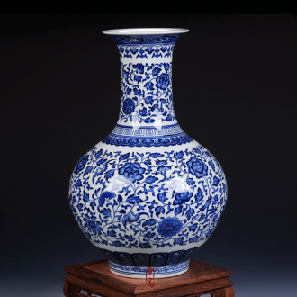 Antique hand-painted design of blue and white porcelain of jingdezhen ceramics vase furnishing articles of dry flower arranging the sitting room decorate gifts
