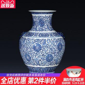 Jingdezhen ceramics creative imitation qianlong antique blue and white porcelain vases, flower arrangement of Chinese style porch place ornament