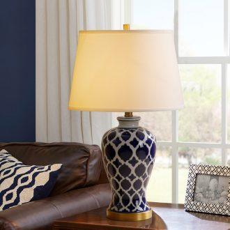 Catron had jingdezhen rural living room desk lamp of bedroom the head of a bed is blue vase hand-painted lamp American ceramic lamp