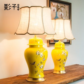 General all copper ceramic desk lamp new Chinese style yellow 1048 cans of American modern European style living room desk lamp of bedroom the head of a bed