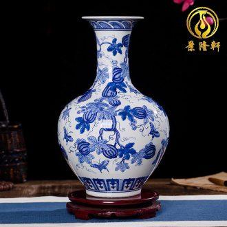 Jingdezhen ceramics antique blue and white porcelain vases, flower modern home sitting room TV ark crafts