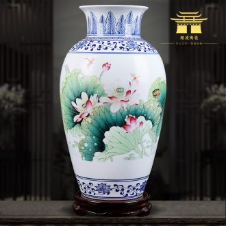 Insert jingdezhen blue and white ceramics powder enamel vase fragrant lotus classical famous hand-painted home sitting room adornment is placed