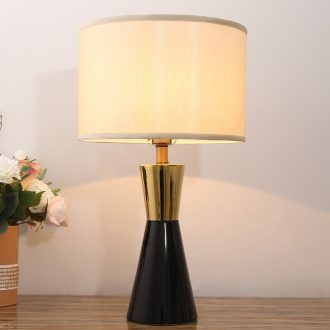American fashion ceramic desk lamp of bedroom the head of a bed European modern creative sitting room lamps and lanterns of study of household contracted warmth
