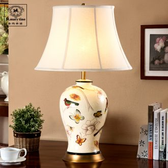 Neo-classical European berth lamp JingDe ceramic creative fashion bedroom adornment of French copper lamp package all mail