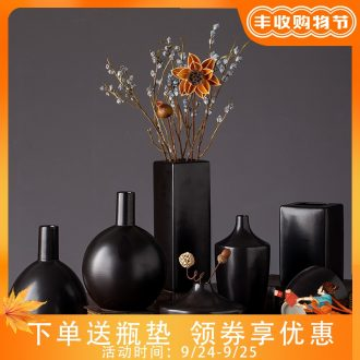 2019 new ceramic vases, contemporary and contracted black zen hotel sitting room adornment is placed flower vase