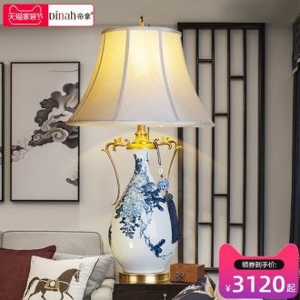 Emperor with jingdezhen hand-painted ceramic desk lamp sitting room luxury decoration lamp atmosphere full of new Chinese style copper lamp