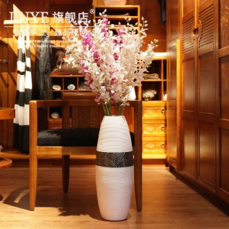 Jingdezhen manual ground ceramic bottle of white big sitting room of Chinese style decoration flower implement dancing orchid vase vase